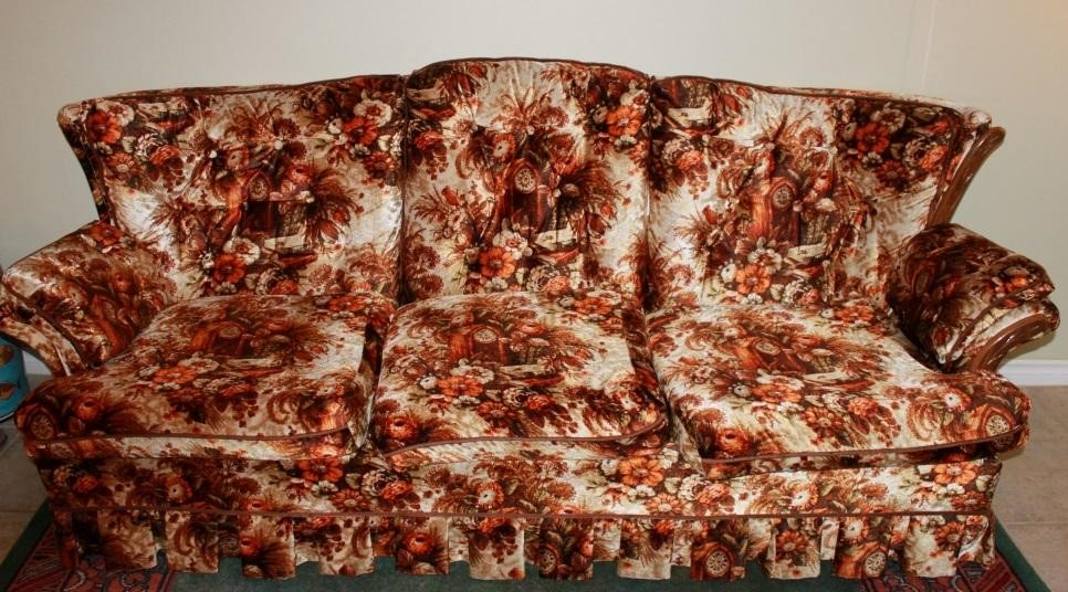 5 Signs that You Need a New Sofa